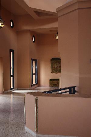 Hotel Riu Tikida Garden: Hall des chambre ou on trouve Ascenseur et Escalier