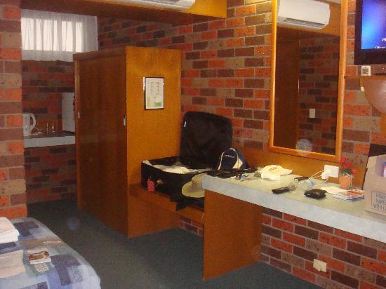 Comfort Inn Cedar Lodge : Internal View of Room