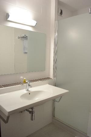 Citotel Les Alizes : Détail Salle de bain