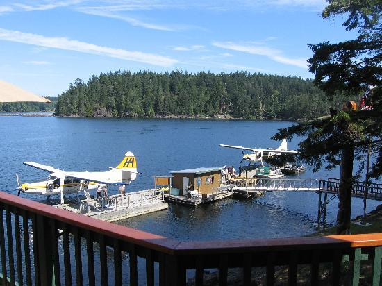 Steep Island Lodge: Arrive by Float Plane