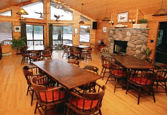 Steep Island Lodge: Beautiful Dining Room