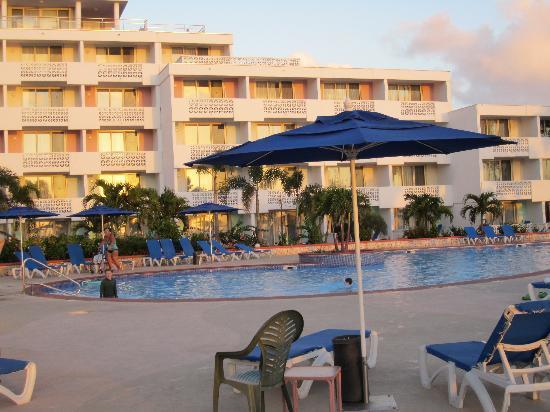 Royal Islander Club La Plage: The pool area