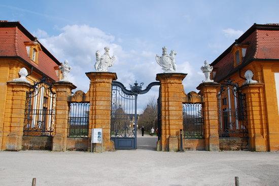 Seiteneingang Schloss Seehof