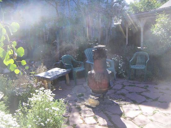 The Courtyard Country Inn: Chiminea