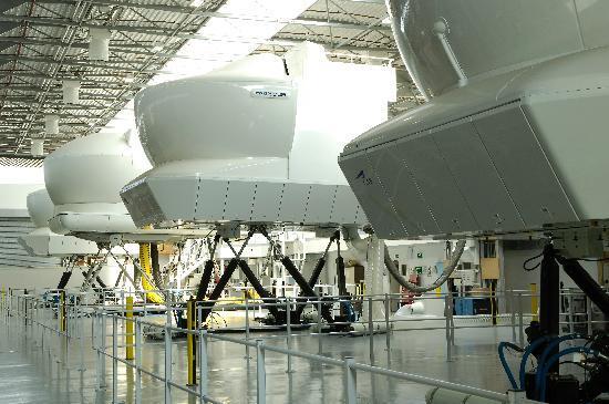 flight simulaters Free, web based flight simulator with worldwide aerial imagery.