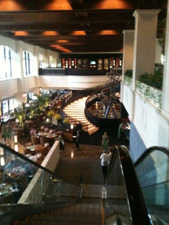 Sofitel Philippine Plaza Manila: Fabulous Buffet dining area