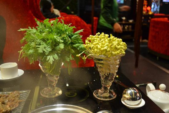 Qing YiSe Hotpot : Fresh Vegetables