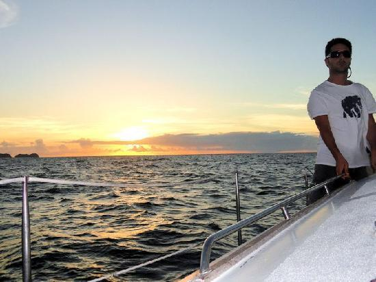 Manta Ray Sailing: Sunset on Mantaray