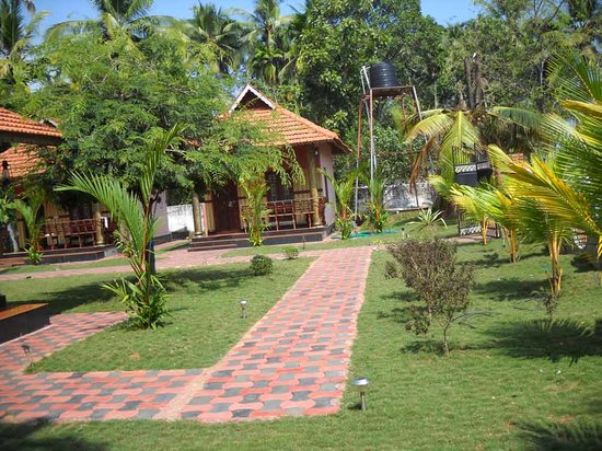 Alleppey Lake Resort