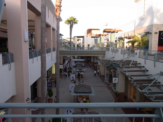 ‪Fashion Valley Shopping Center‬