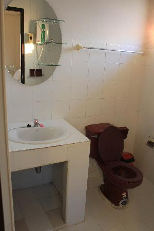 Bed and Terrace Guesthouse Chiang Mai: toilet