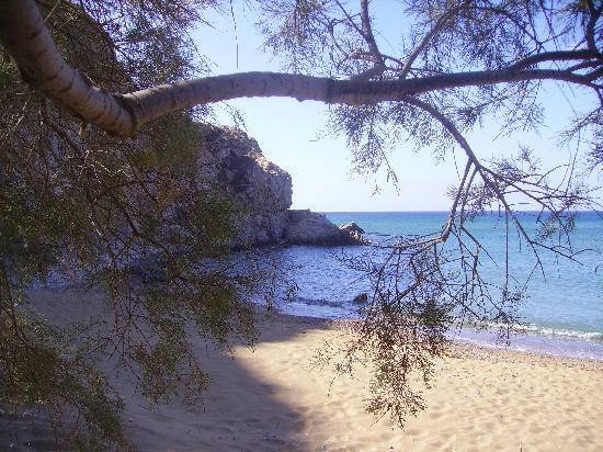 Anafi, Griechenland: una spiaggetta