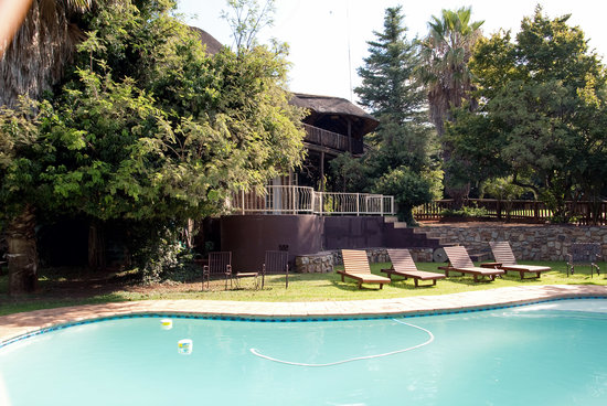 The Farm Inn: Swimming pool