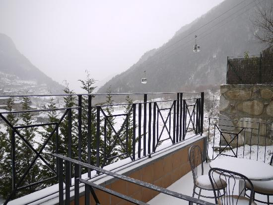 Hotel Princesa Parc: View from our balcony - towards mountain