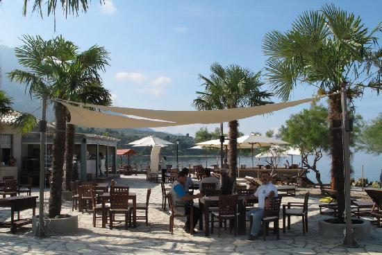 Yacht Club Paleros: the place