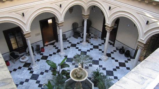Hotel Palacio de Villapanes : Internal courtyard