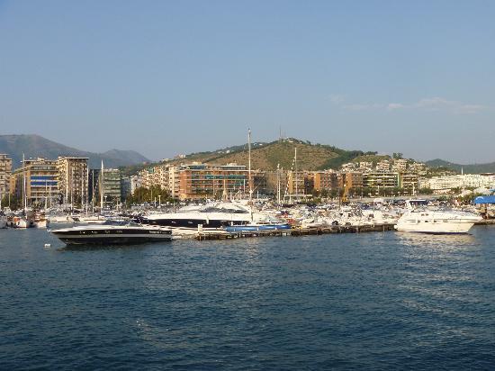 Salerno, Italy: サレルノ港