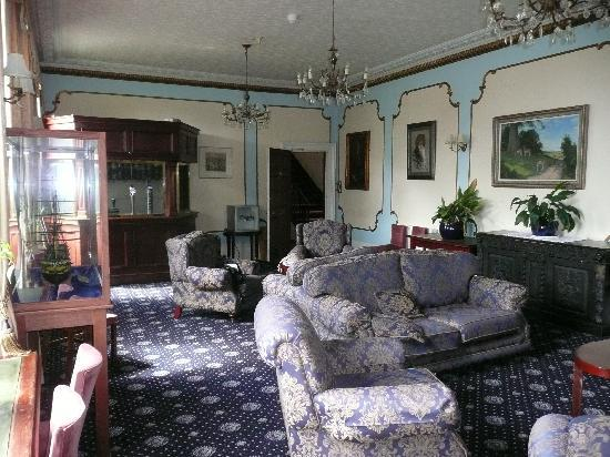 Union Hotel : The Lounge