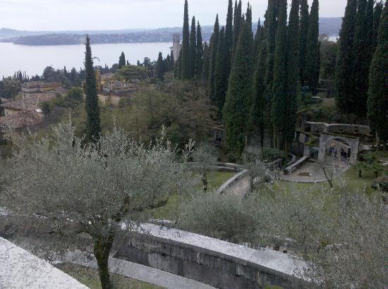 Il Vittoriale degli Italiani : Vista dal mausoleo del parco e della casa