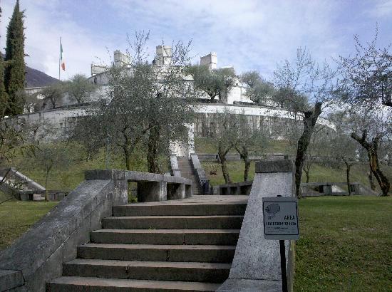 Gardone Riviera, Italia: Mausoleo