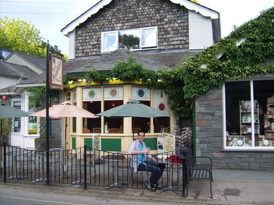 Lewis's: Lovely relaxed Bistro