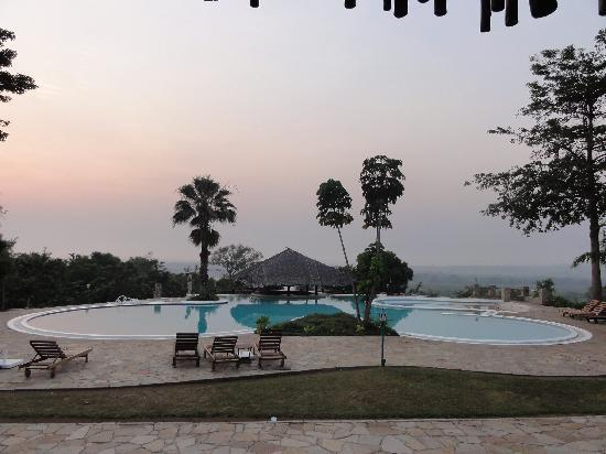 Murchison Falls National Park, Oeganda: Early morning by the pool at Paraa Safari Lodge