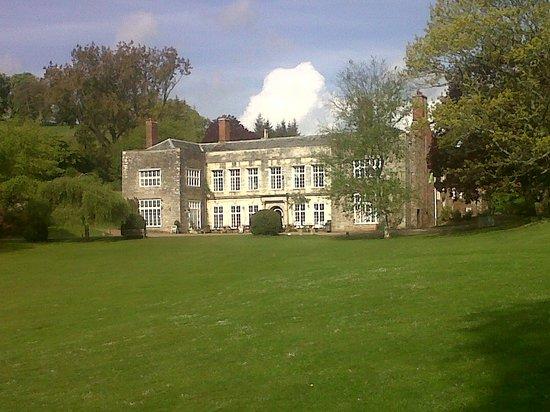 توركواي, UK: Cockington Court