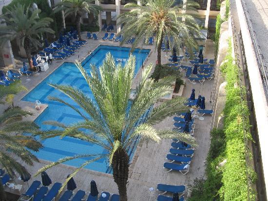 Dan Jerusalem Hotel: Piscine extérieure avec un cadre très agréable
