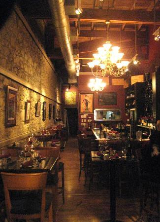 The Rotten Grape : Cool Vibe-Warm Atmosphere