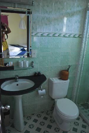 The Beach Resort: Bathroom 1