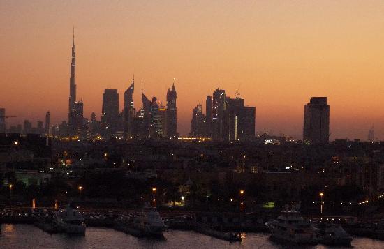 Sheraton Dubai Creek Hotel & Towers: Blick aus dem Zimmer gegen Westen