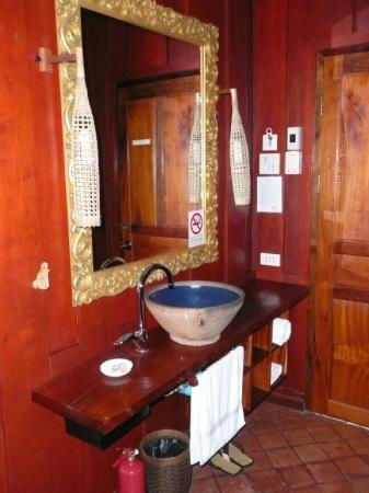 Lotus Villa Boutique Hotel : lavandino Lotus room