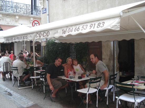 Pizzeria Coco : terrasse sur la petite rue