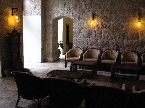 Knights Palace: Kinghts Palace lounge