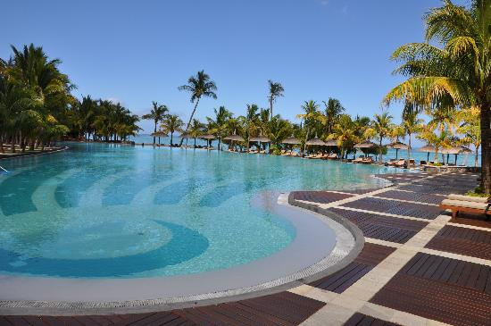 Dinarobin Beachcomber Golf Resort & Spa: piscine principale