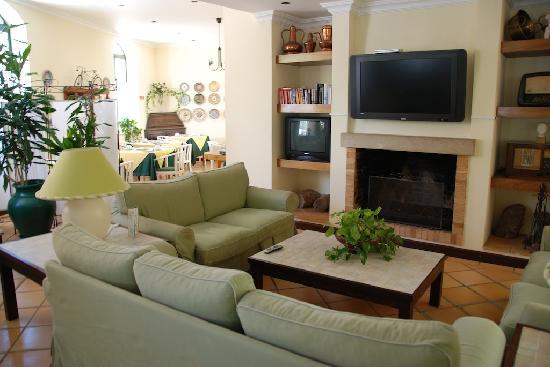 Loule Jardim Hotel: Residence lounge
