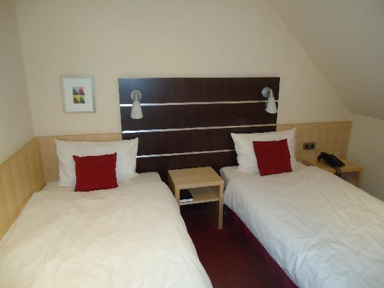 Hotel UHU : One of the bedroom