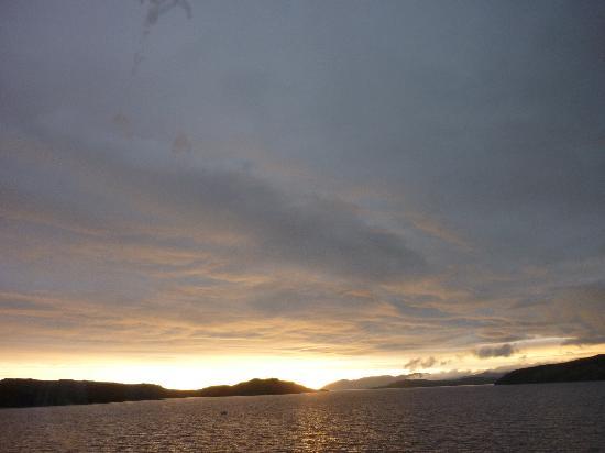 Thon Hotel Kirkenes: Aussicht vom Bett um Mitternacht