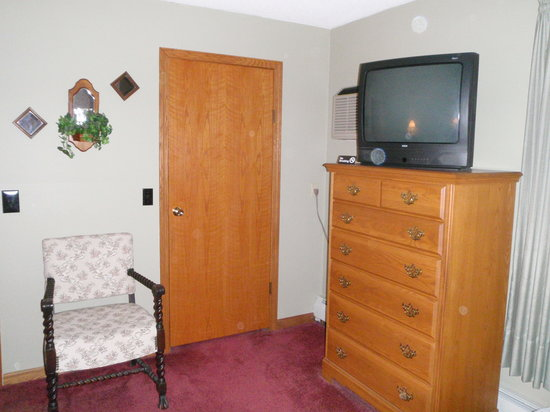Vineyard Bed and Breakfast: TV available in Vineyard Room