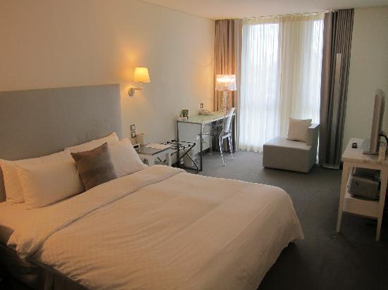 Ambience Hotel: Guest Room
