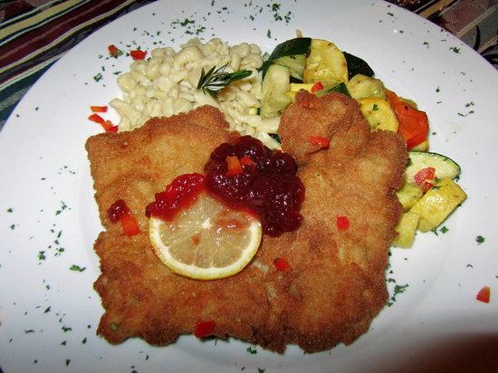 Amadeus Restaurant: great Weiner Schnitzle