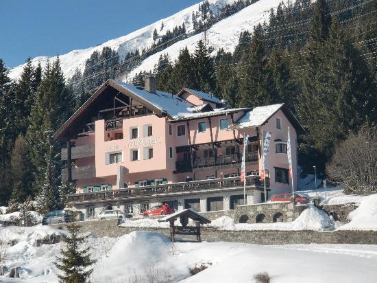 Hotel Mooser Kreuz: Mooserkreuz from local bus stop