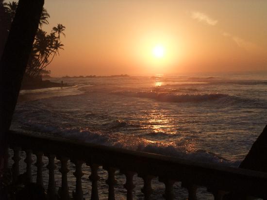 Rockside Cabanas Hotel: Sunrise