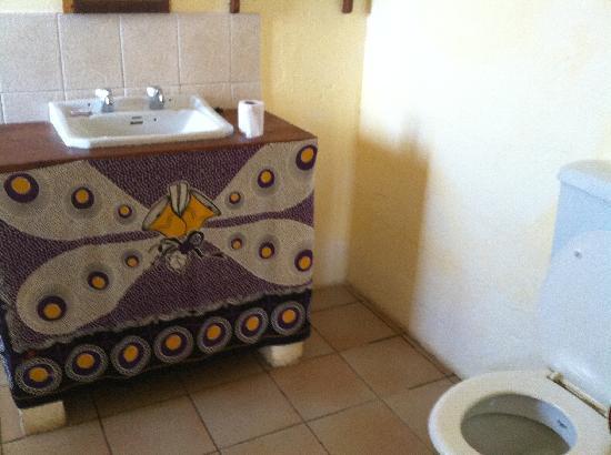Kilwa Ruins Lodge: Bathroom