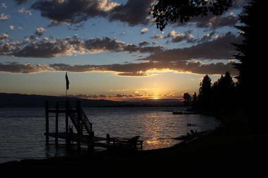 Averill's Flathead Lake Lodge: Dock at Sunset