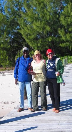 Green Turtle Cay: Brendal, myself & Tasha at the picnic beach. 7 Dec 2010
