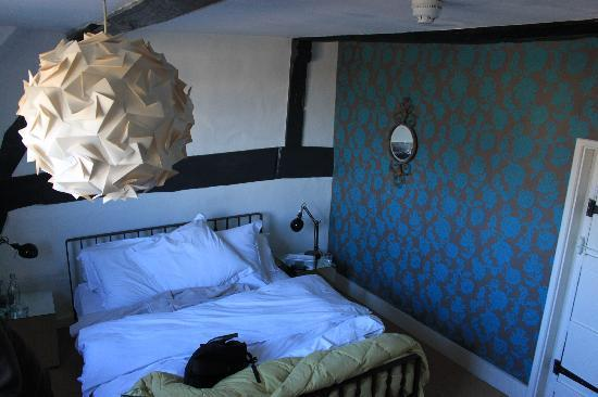George and Dragon: Bedroom