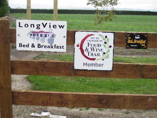 Longview Farmstay Bed and Breakfast: Longview Gate