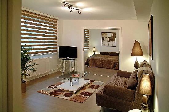 Le salon de notre chambre photo de hostellerie louis for Chambre louis 13