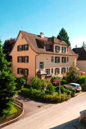 Küsnacht, Zwitserland: Zinnenlaufs Gaststube